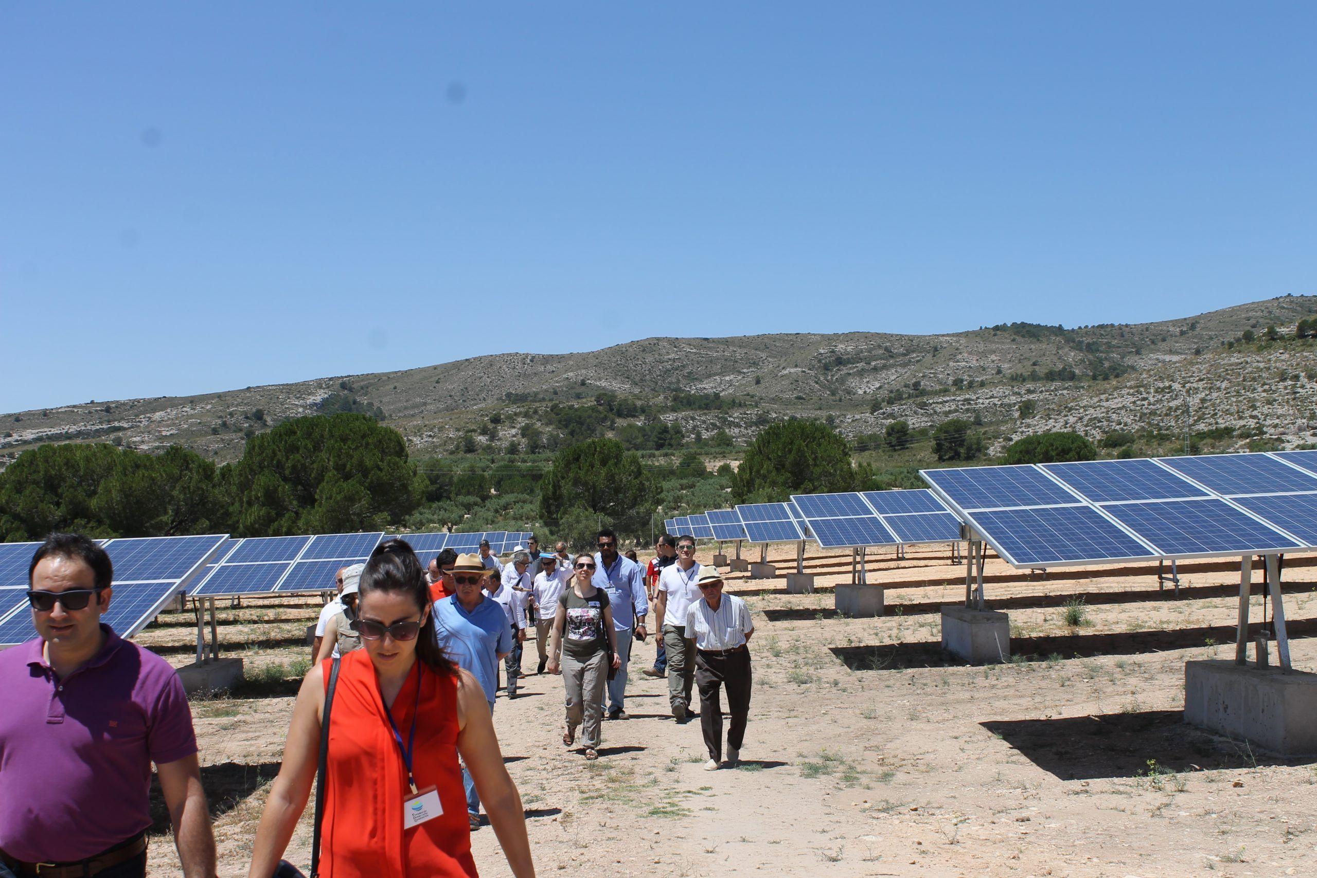 IMG 7790 - Los agricultores y regantes de Cehegín visitan una instalación de riego con bombeo solar