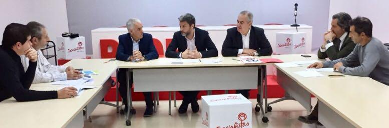WhatsApp Image 2017 12 14 at 21.43.37 - FDS, ANPIER y NCC se reúnen con el Portavoz del Grupo Parlamentario Socialista