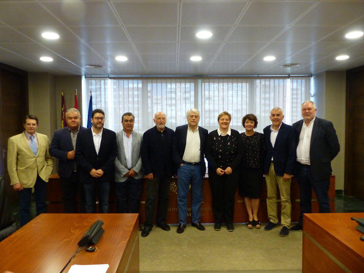 """Domingo ARM - Una apuesta por la """"autosuficiencia conectada"""" basada en desalinización"""