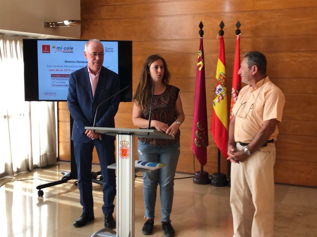 WhatsApp Image 2018 06 12 at 14.34.45 - El Ayuntamiento de Murcia reduce sus emisiones de CO2 en casi 2 toneladas durante el primer trimestre del 2018 gracias al proyecto 'Mi Cole Ahorra con Energía'