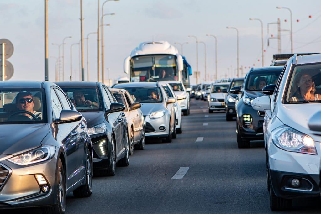coches - El 72% de los españoles achaca el cambio climático a la actividad humana