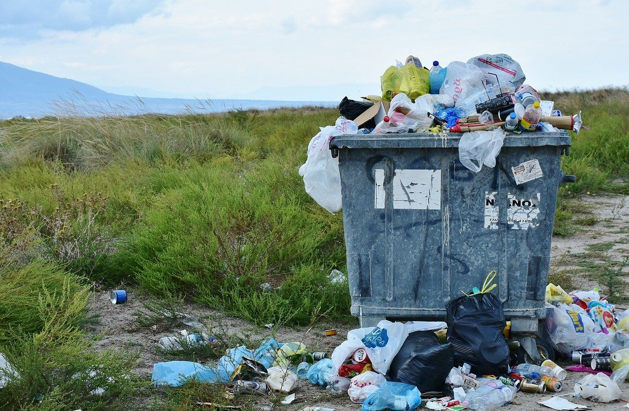 garbage 2729608 1280 - Residuos, una asignatura pendiente, y más en España