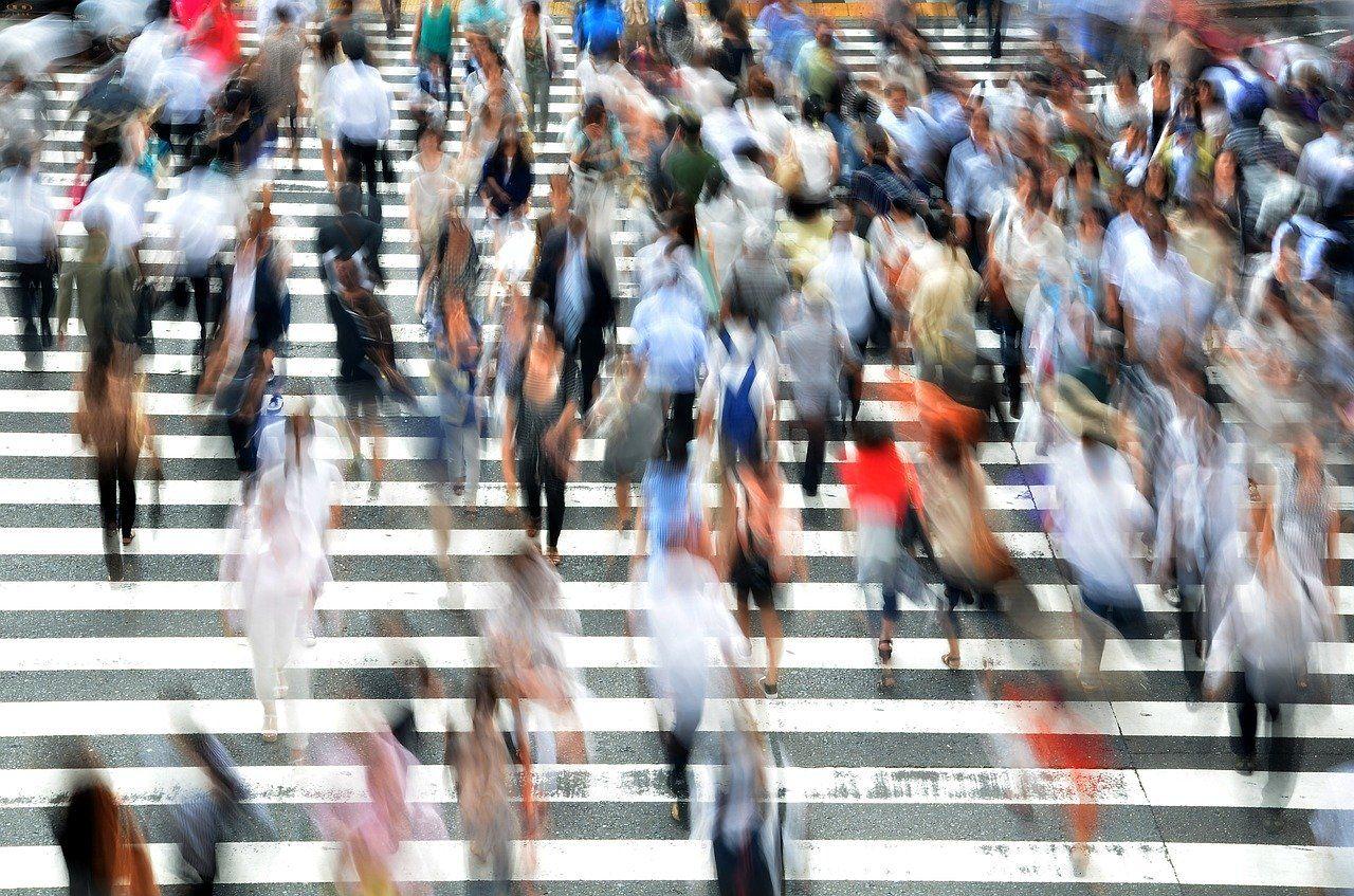 pedestrians 400811 1280 - Prevención de la Contaminación