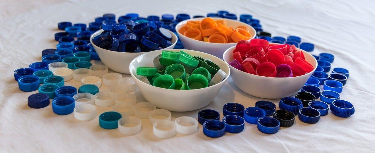plastic 5527525 1280 - Uso sostenible de los Recursos Naturales